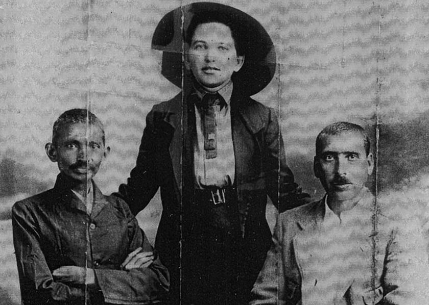 גנדהי, סוניה שלסין וקלנבאך